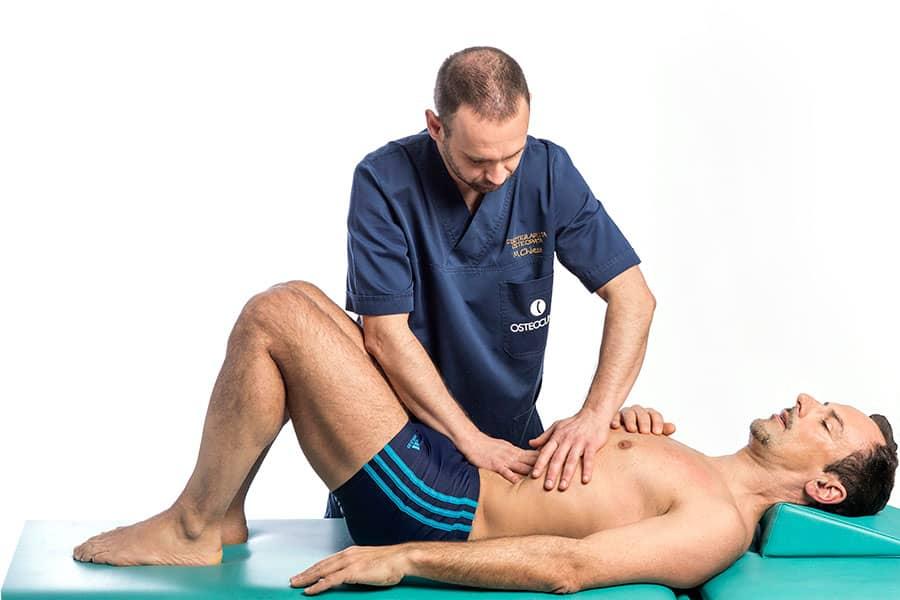 Michele Chiesa osteopata fisioterapista a Brescia tratta disturbi digestivi e della postura