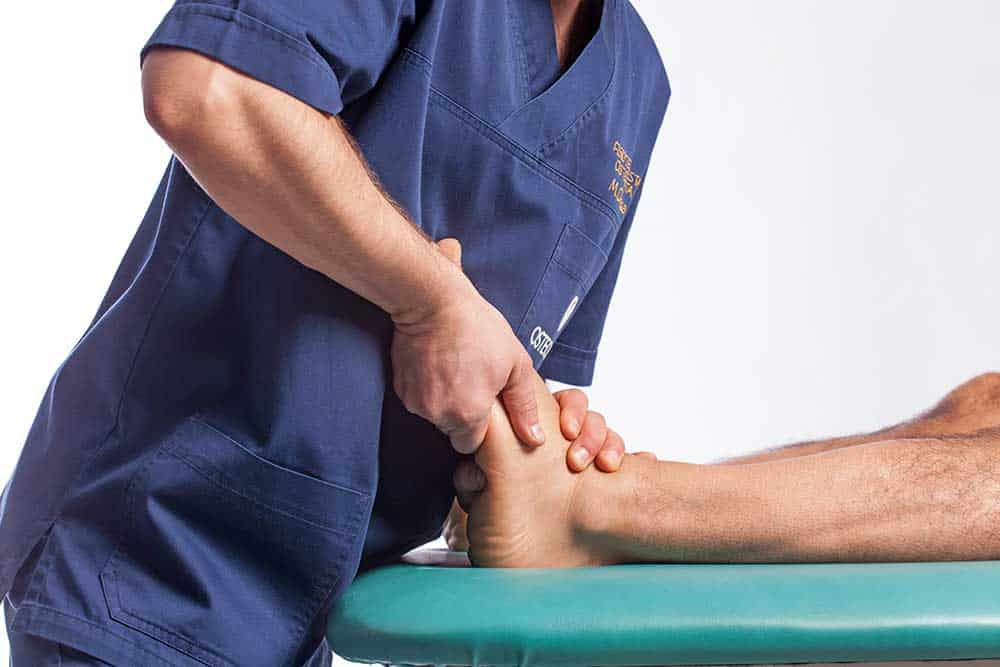 Osteopata Brescia distrorsione caviglia