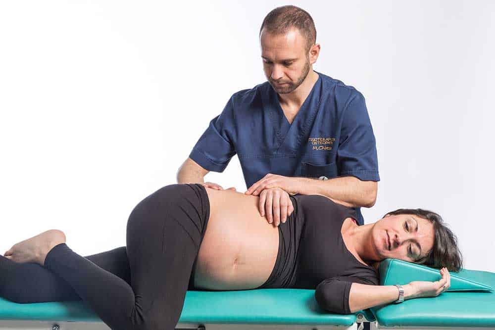 Osteopata a Brescia cura mal di shiena nella donna incinta