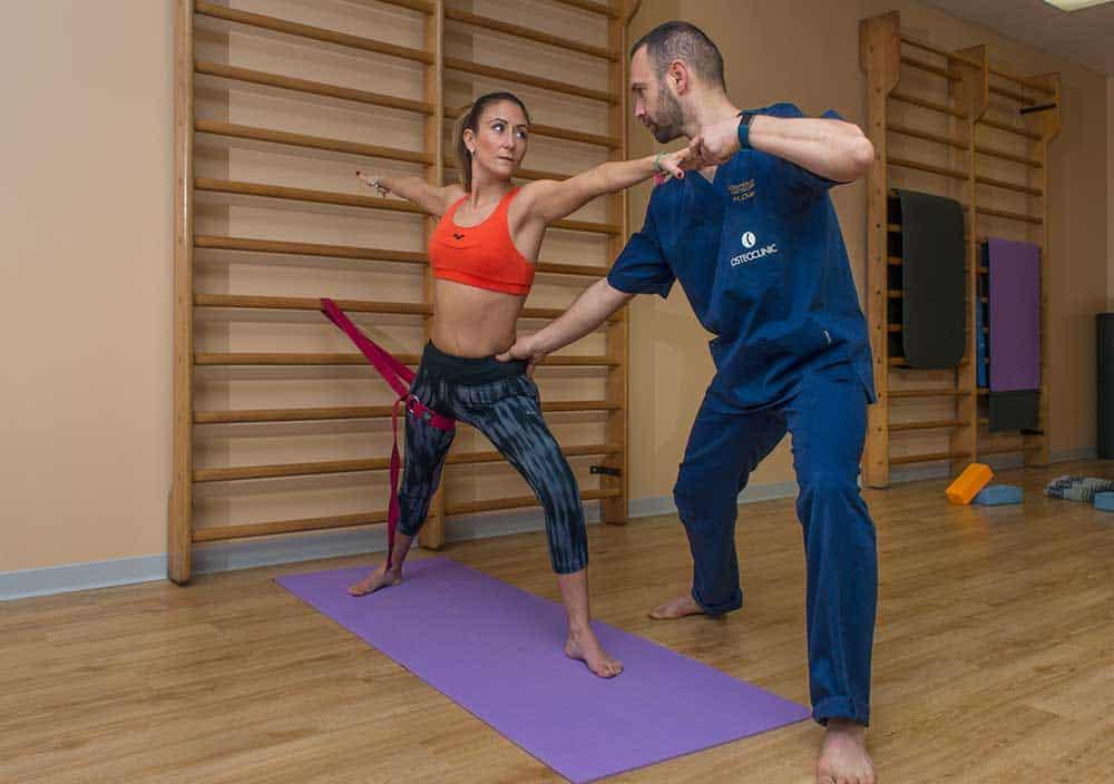 Yoga terapeutico ginnastica posturale Osteoclinic Brescia
